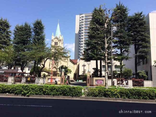 赤羽駅前の教会