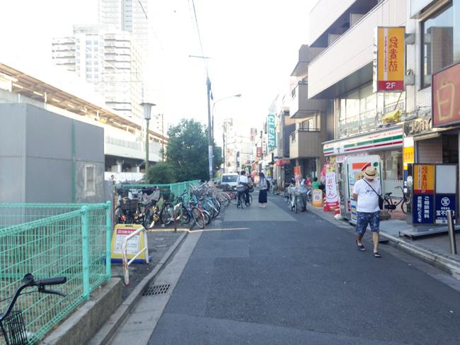 駅前は自転車が多い印象