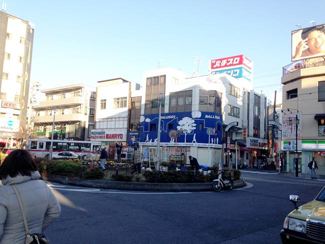 駅前のロータリーのようなところ。