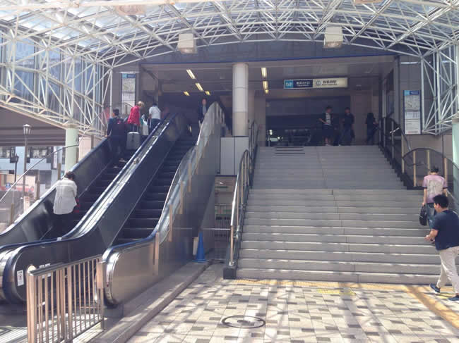 西葛西駅に着きました
