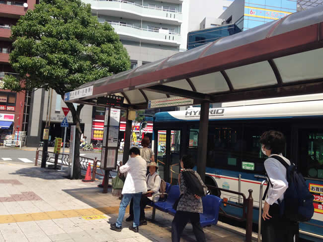 小岩駅行きのバス