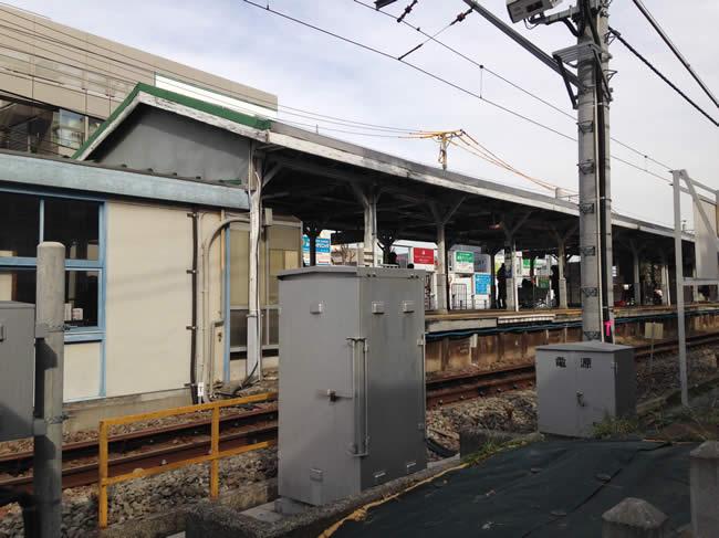 駅は、こじんまりした印象