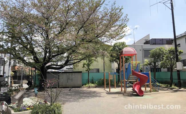 東中延公園には楽しい遊具もあります。