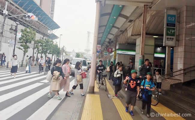綾瀬の駅前周辺
