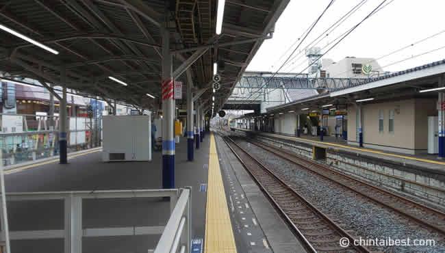 上板橋駅の構内